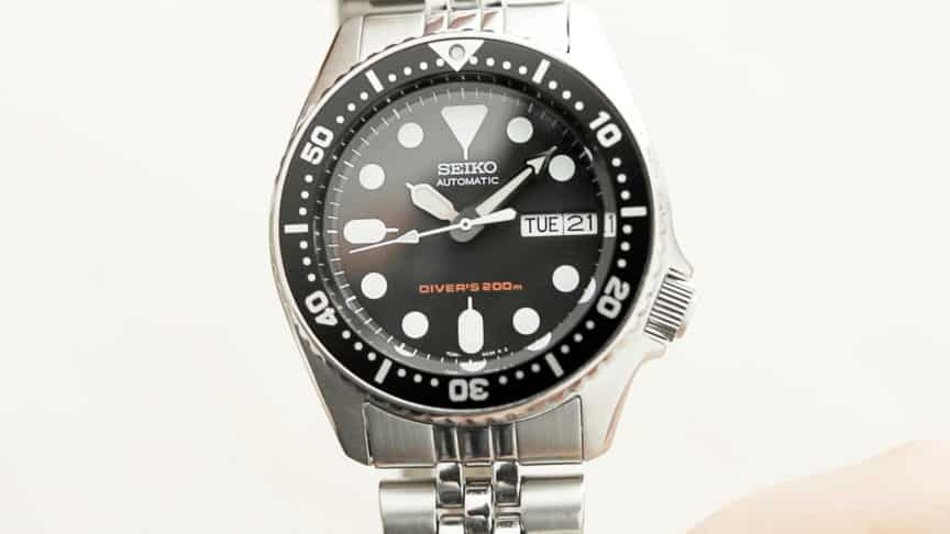 Seiko SKX013 [REVIEW] The Best Dive Watch For Small Wrists • The