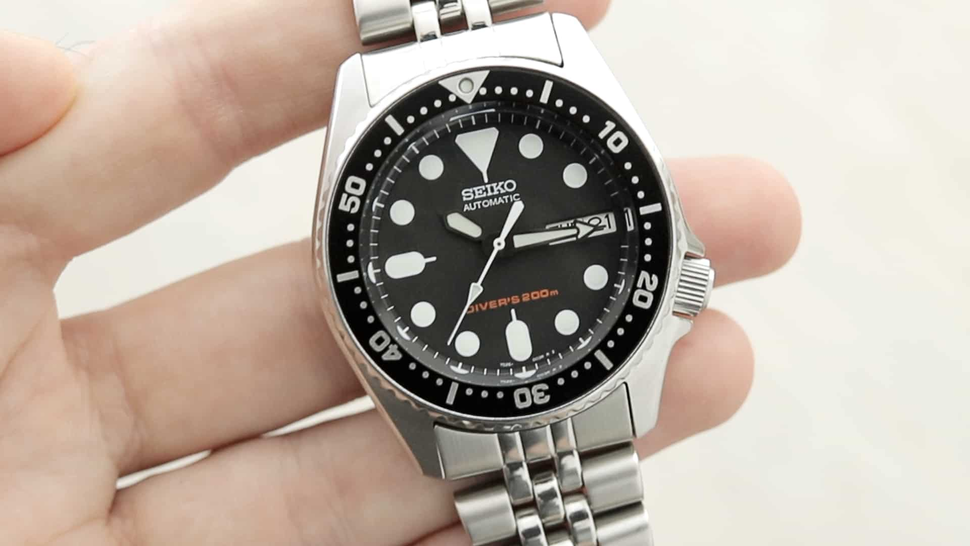 Seiko Skx013 Review The Best Dive Watch For Small Wrists The Slender Wrist